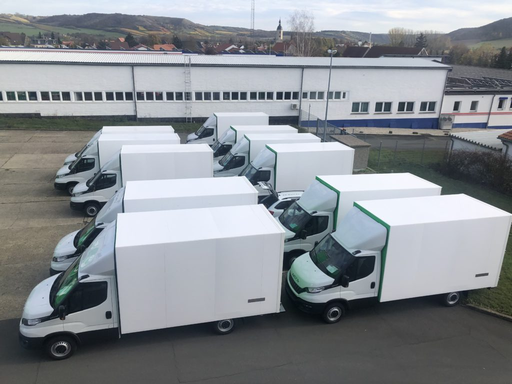 Iveco Daily Transporter mit Koffer Aufbau